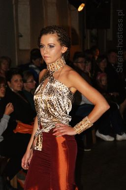 <p>Pokaz ubioru Agaty Przewieźlik- pażdziernik 2013r.</p>