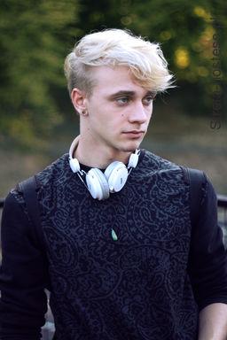 -Tomasz