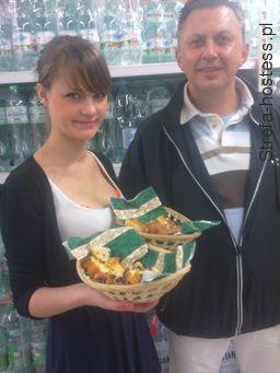 Hostessa przy promocji marki własnej Tesco Dzierżoniów