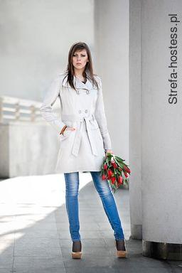 <p>Reklama damskich płaszczy firmy: Lena.</p>