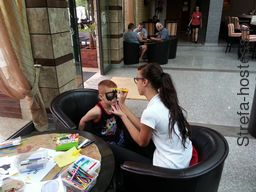 <p>Face painting</p>