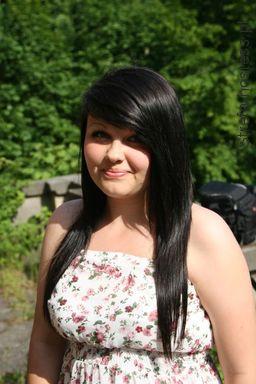 aktualnie włosy w kolorze jasnego brązu :)