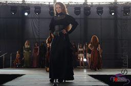 <p>Pokaz mody fantasy - PYRKON 2015, Stylizacja i stroje: Steampunk&Fantasy, MUA: Blood Betty, Fot. Anna Herbu Dąbrowa</p>